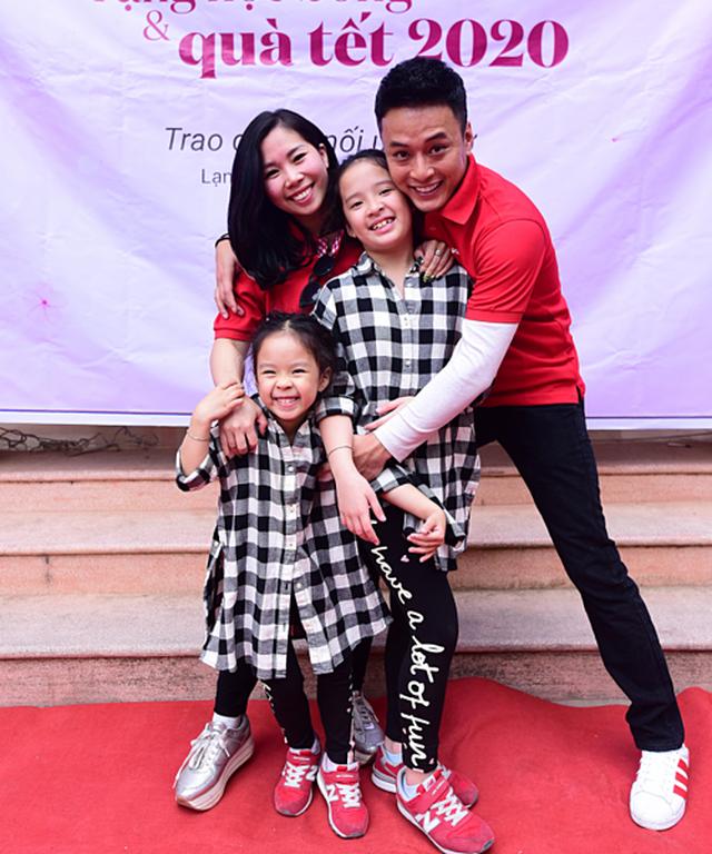 Ấm áp tình nghệ sĩ Việt dành cho người nghèo mùa Tết - 11