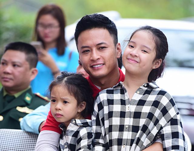 Ấm áp tình nghệ sĩ Việt dành cho người nghèo mùa Tết - 12
