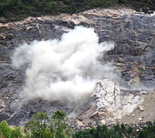 Xử phạt doanh nghiệp nổ mìn phá núi vượt quá độ sâu cho phép tại Bình Định - 1