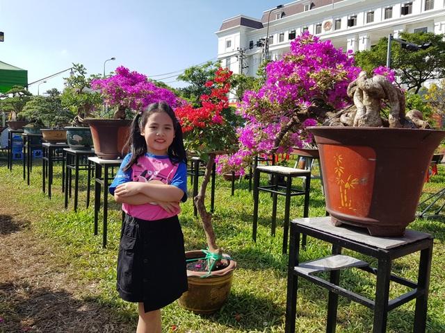 """Du khách xúng xính """"check-in"""" chợ hoa xuân Đà Nẵng - 3"""