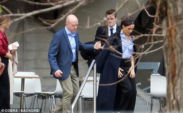 Tiết lộ chi phí khủng bảo vệ an ninh vợ chồng Hoàng tử Harry tại Canada - 2