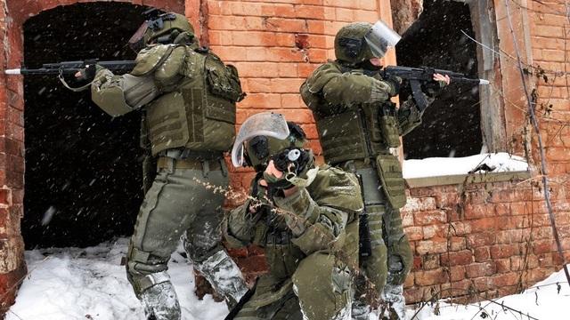 Xem quân nhân Nga diễn tập tấn công hang ổ kẻ thù - 1