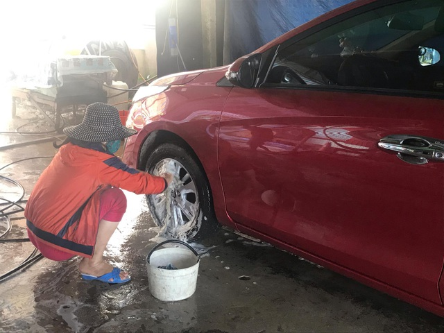 Quảng Trị:  Nghề rửa xe kiếm bộn tiền ngày cận Tết - 4