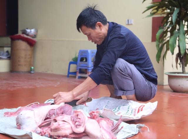 Mổ lợn gói bánh chưng đón Tết ở Đồng Tâm - 2