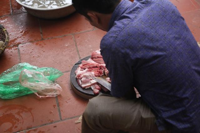 Mổ lợn gói bánh chưng đón Tết ở Đồng Tâm - 7