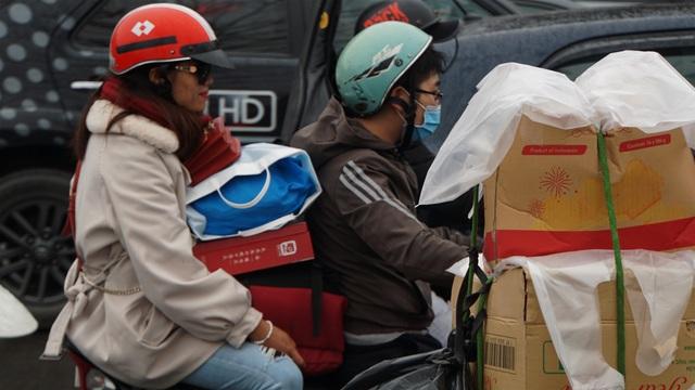 Người dân đổ về quê, cửa ngõ phía Nam Hà Nội ùn tắc sáng 28 Tết - 5