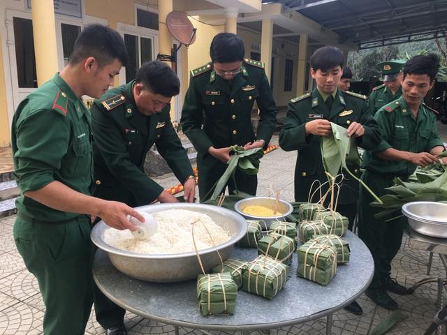 Tết sớm nơi biên giới của những người lính mang quân hàm xanh - 1