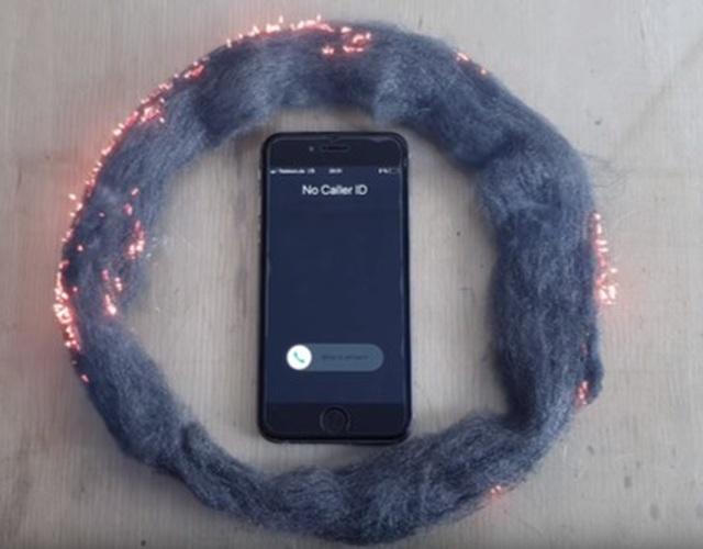 Thực hư video sóng iPhone đốt cháy bùi nhùi, làm tổn thương não - 1