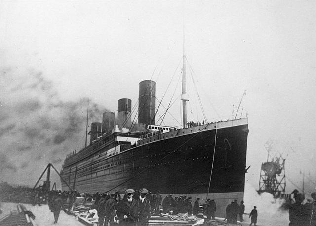 Tranh cãi việc trục vớt kho báu của tàu Titanic dưới đáy biển - 1