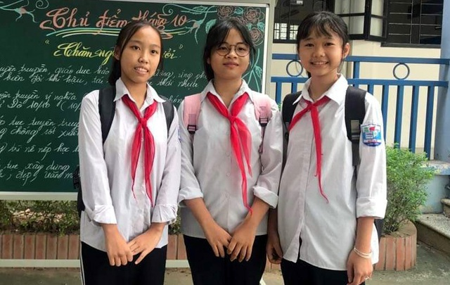 Học sinh nhặt được của rơi, trả lại người đánh mất: Câu chuyện đẹp của năm 2019 - 3