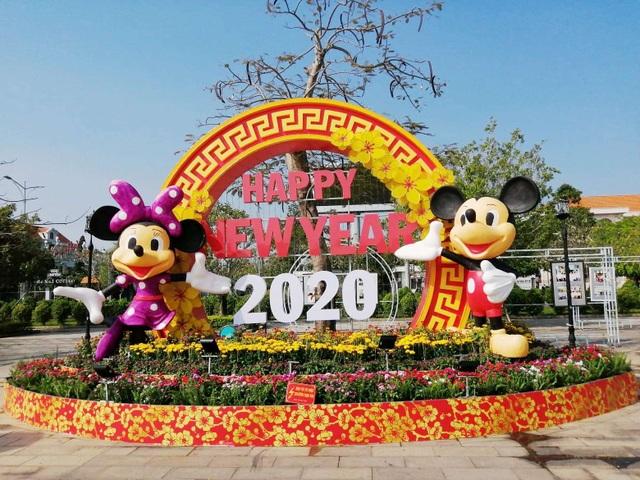 Đẹp mắt tiểu cảnh chào năm mới 2020 trên Quảng trường lớn nhất ĐBSCL - 5