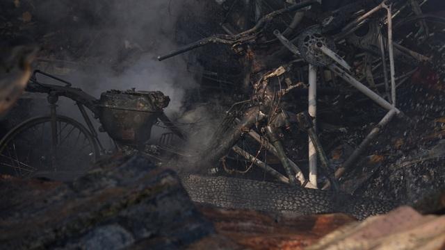 Cháy lán trại, hàng chục lính cứu hỏa căng mình dập lửa sáng 29 Tết - 3