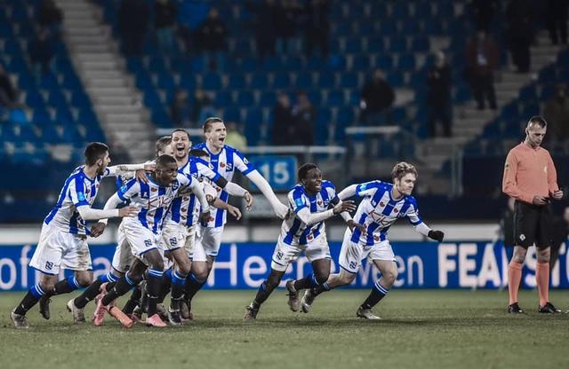 Văn Hậu dự bị trong ngày Heerenveen lọt vào tứ kết cúp Hà Lan - 1