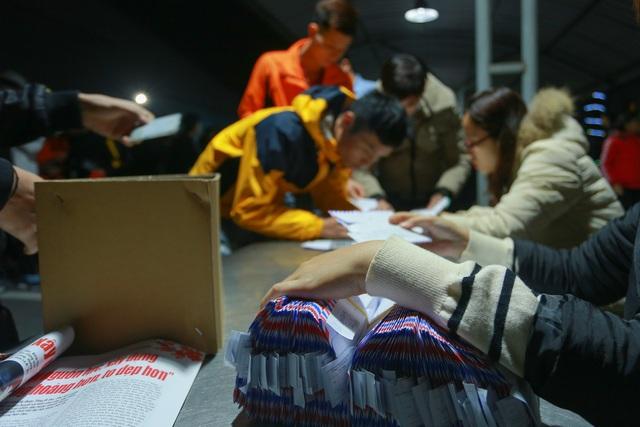 Thưởng tết khủng lúc 3 giờ sáng, hàng nghìn công nhân háo hức xuyên đêm - 9