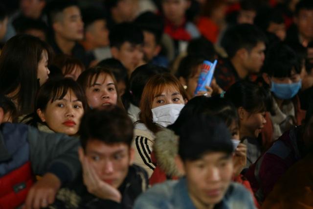 Thưởng tết khủng lúc 3 giờ sáng, hàng nghìn công nhân háo hức xuyên đêm - 7
