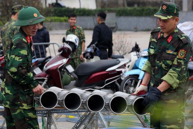 Hà Nội: Bên trong trận địa pháo hoa chuẩn bị khai hoả, đón giao thừa - 1