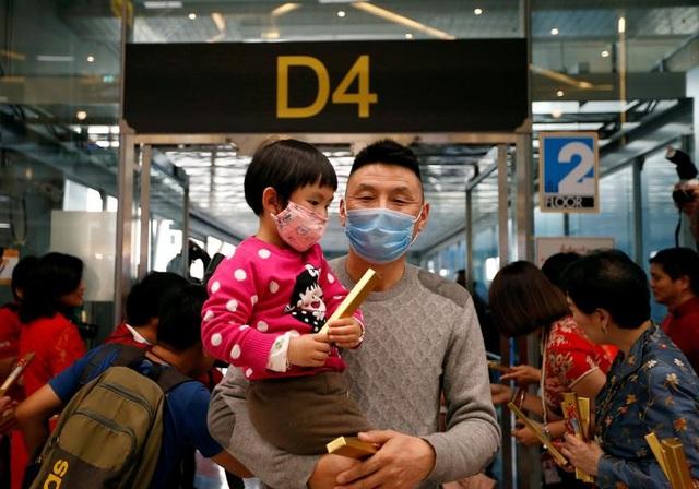 """Trung Quốc """"quay cuồng"""" vì virus Vũ Hán - 16"""