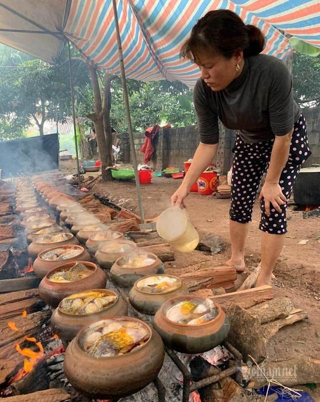 Xuyên đêm hít khói, kho 5.000 nồi cá bán Tết Canh Tý - 8