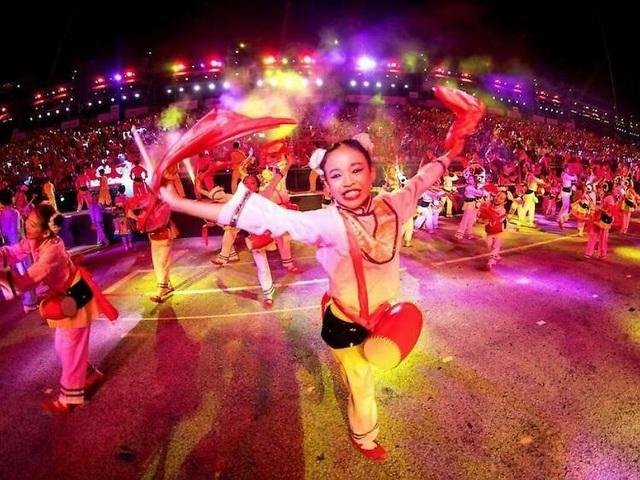 Những lễ hội đón Tết rực rỡ nhất trên thế giới - 1