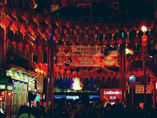 Những lễ hội đón Tết rực rỡ nhất trên thế giới - 10