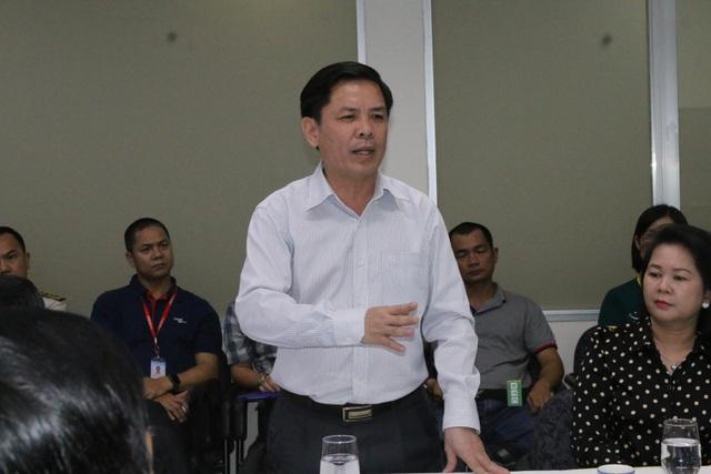 Bộ trưởng GTVT: Phải lập khu vực làm thủ tục riêng cho du khách Trung Quốc - 1