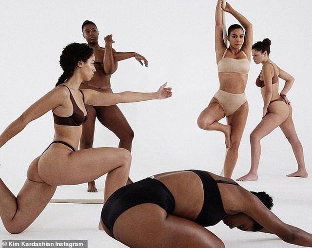 Kim Kardashian tự tin làm người mẫu thời trang - 3