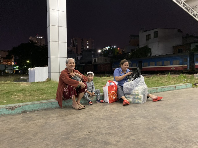 Chuyến tàu cuối cùng rời ga Sài Gòn trước thời khắc giao thừa - 21