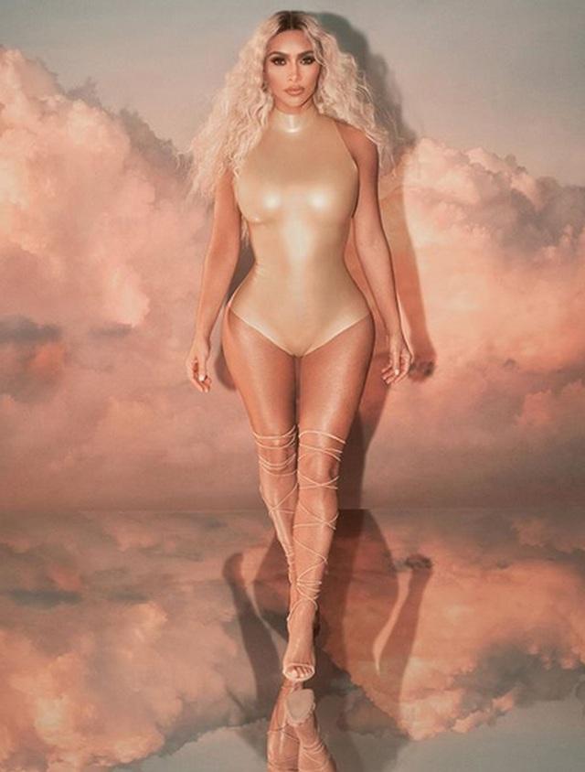 Kim Kardashian tự tin làm người mẫu thời trang - 6