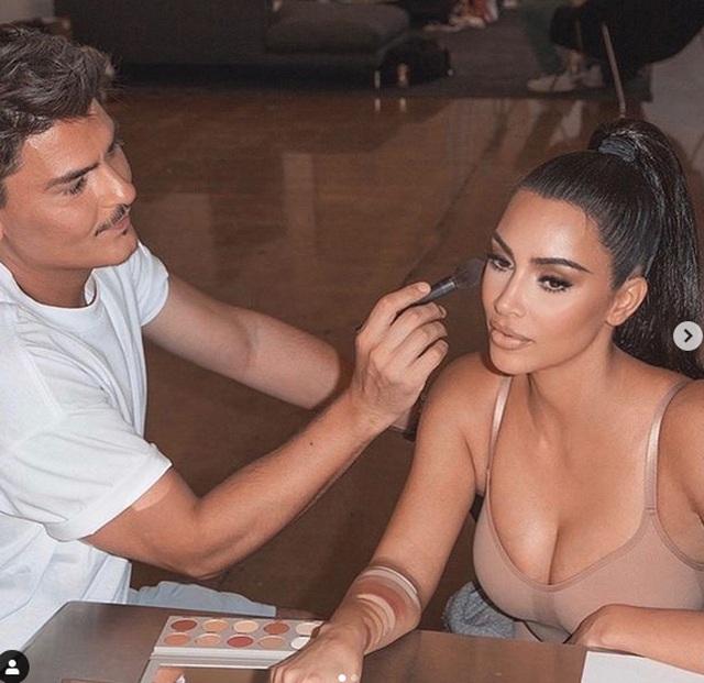 Kim Kardashian tự tin làm người mẫu thời trang - 8