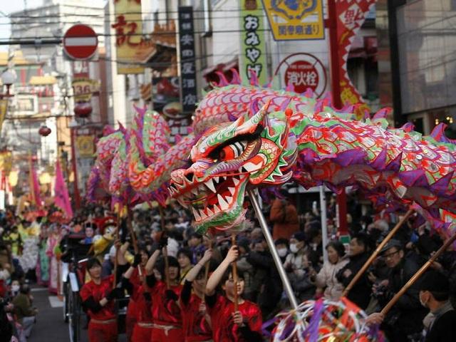 Những lễ hội đón Tết rực rỡ nhất trên thế giới - 9