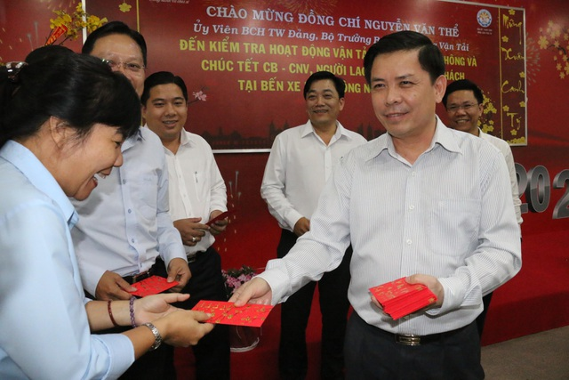 Bộ trưởng GTVT: Phải lập khu vực làm thủ tục riêng cho du khách Trung Quốc - 2