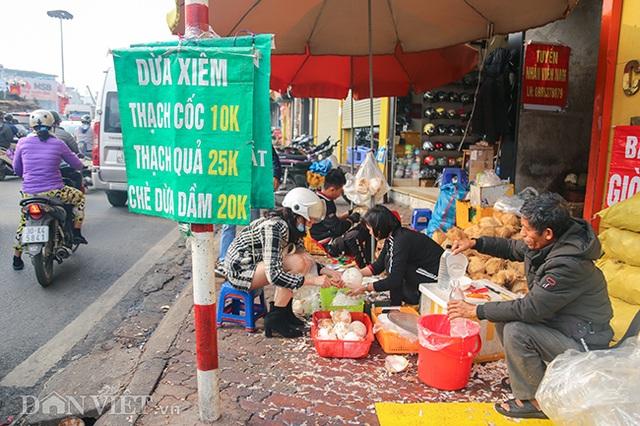 Buôn cùi dừa làm mứt Tết kiếm hàng chục triệu mỗi ngày - 11