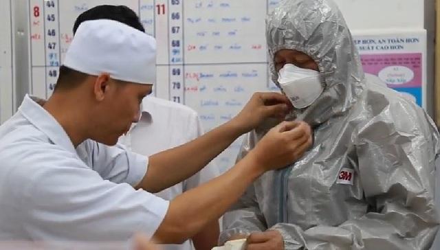 Hai bệnh nhân nhiễm viêm phổi lạ: Còn sốt nhưng đã giảm triệu chứng - 1