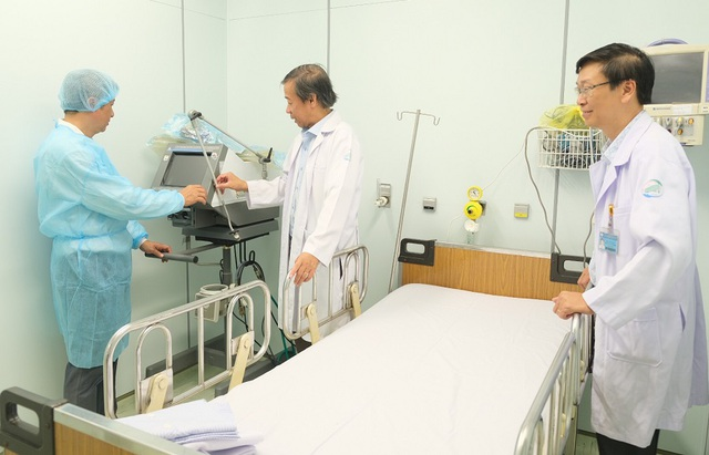 Chống dịch corona: Nhân viên y tế không được rời thành phố - 3