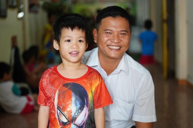 Báo Dân trí tiếp tục mang Tết đến với những đứa trẻ bị bỏ rơi tại chùa Hồng Quang - 4
