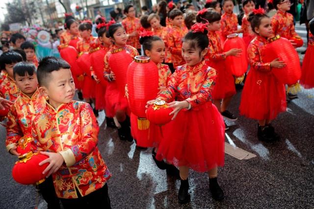 Người châu Á khắp thế giới rộn ràng đón Tết Canh Tý 2020