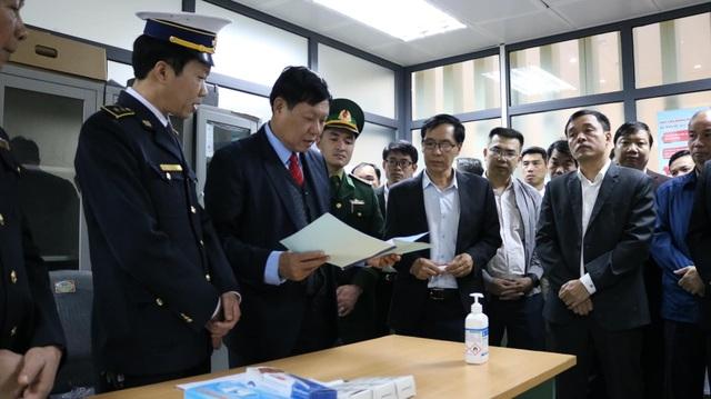 Hai ca viêm phổi lạ Vũ Hán xâm nhập, ngành y tế họp khẩn ứng phó với dịch - 2