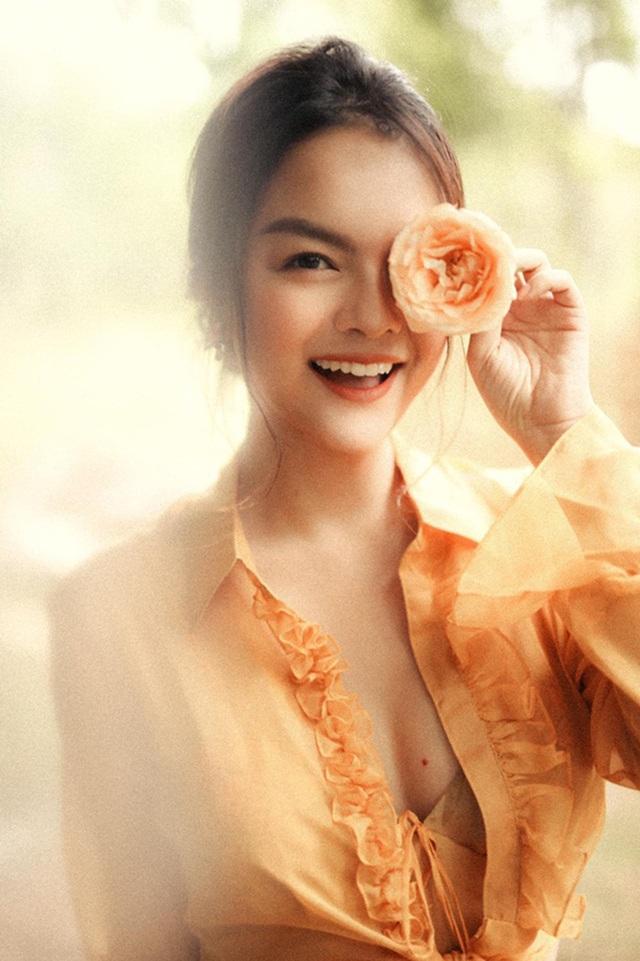 Sao nữ tuổi Tý sở hữu nhan sắc đỉnh cao của showbiz Việt - 6