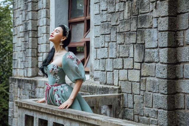 Ca sỹ Nhật Huyền ra mắt MV Mộc của Ngũ hành vào ngày mùng 2 Tết - 1