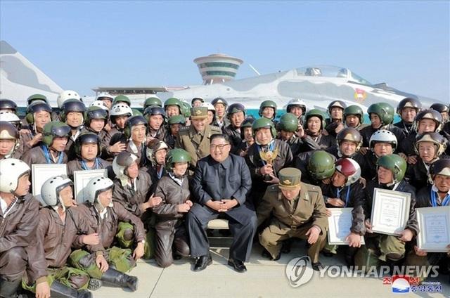 Động thái bí ẩn của hơn 35 máy bay quân sự Triều Tiên - 2