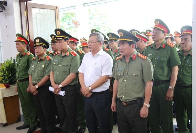Thăng quân hàm cho Đại úy công an bị đâm chết trong ngày 30 Tết - 4