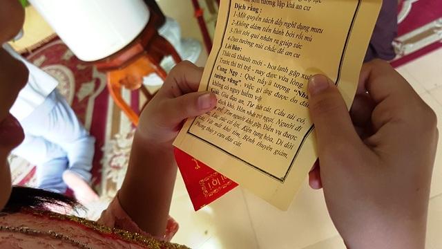 Đi chùa xin xăm, viết lời chúc cầu nguyện đầu năm mới - 10