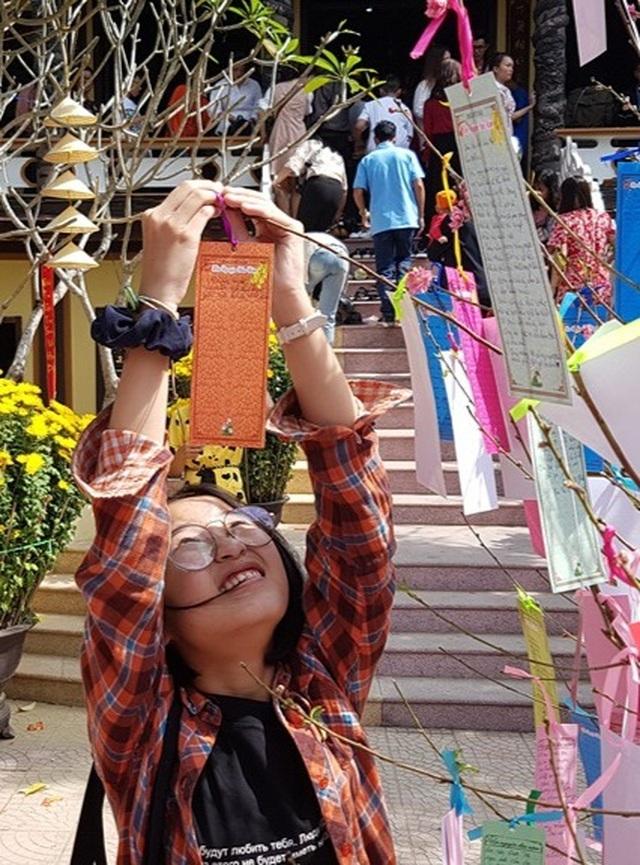 Đi chùa xin xăm, viết lời chúc cầu nguyện đầu năm mới - 4