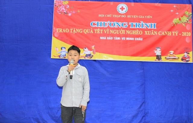 Cậu bé 9 tuổi dành tiền mừng tuổi giúp học sinh mồ côi ăn Tết - 5