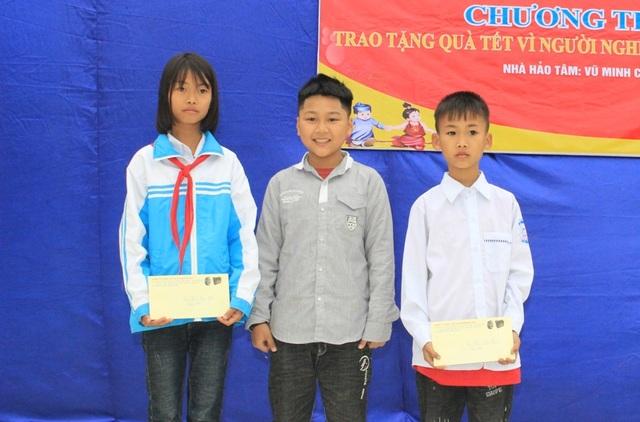 Cậu bé 9 tuổi dành tiền mừng tuổi giúp học sinh mồ côi ăn Tết - 3