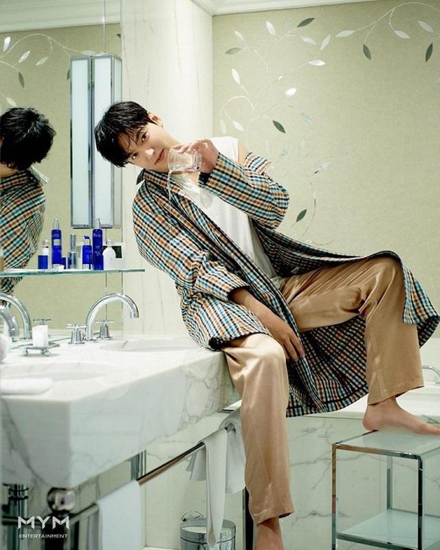Ngất ngây trước loạt ảnh đời thường của mỹ nam Lee Min Ho - 8