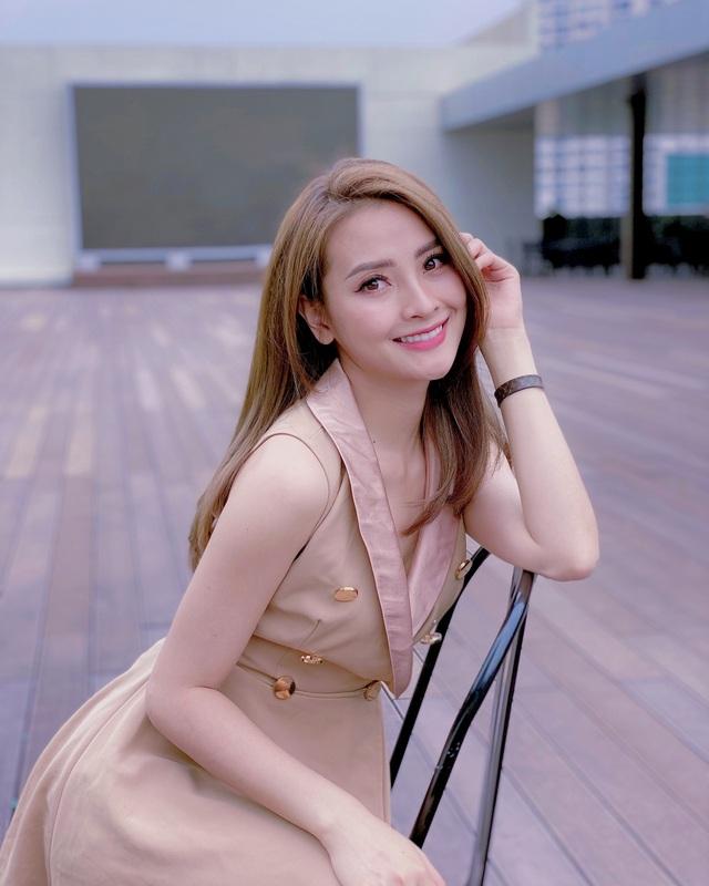 """MC Huyền Trang """"Mù Tạt"""" VTV: """"Chị em tôi """"đau đầu chóng mặt"""" vì bị giục lấy chồng"""" - 6"""