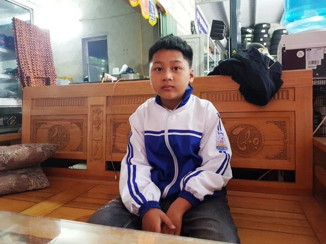 Cậu bé 9 tuổi dành tiền mừng tuổi giúp học sinh mồ côi ăn Tết - 1