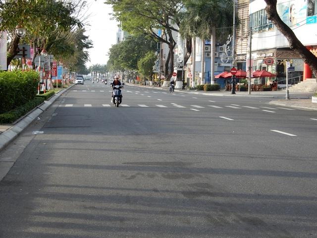 Đường phố Đà Nẵng dịu dàng sáng mùng 1 Tết - 1
