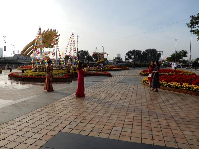 Đường phố Đà Nẵng dịu dàng sáng mùng 1 Tết - 10